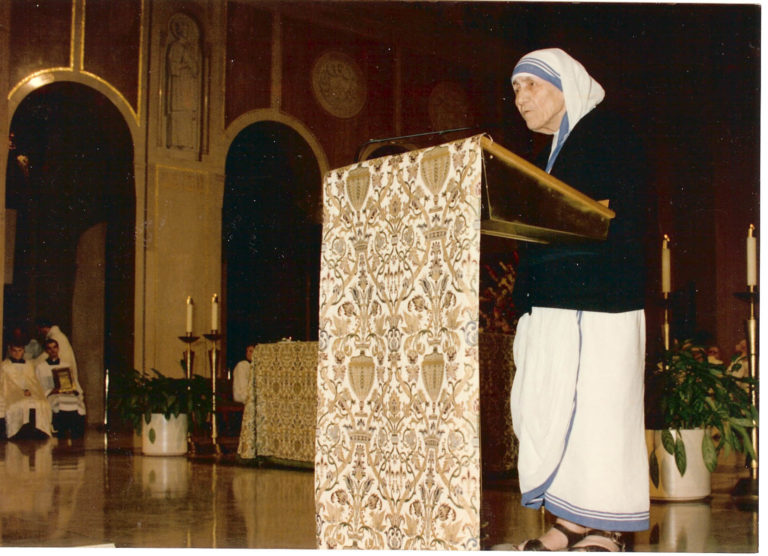 Mother Teresa at pulpit in Great Upper Church