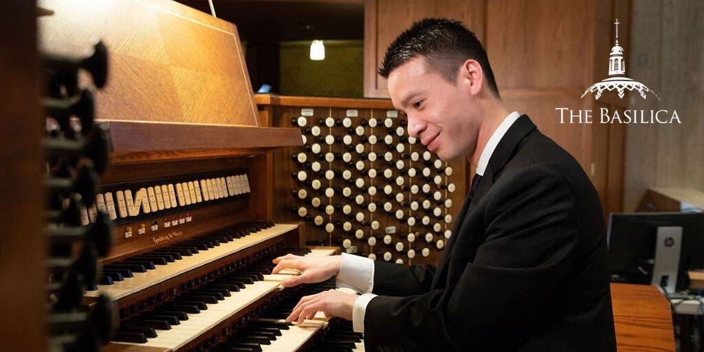 Andrew Vu playing organ