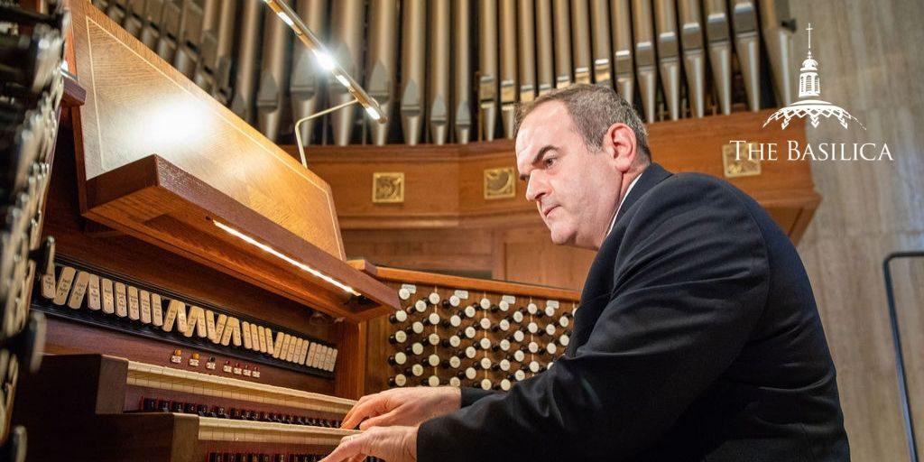 Peter Latona playing organ