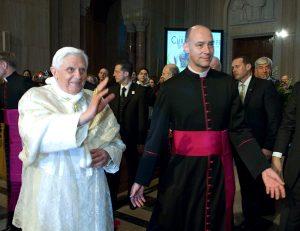 pope-benedict-XVI visits the shrine